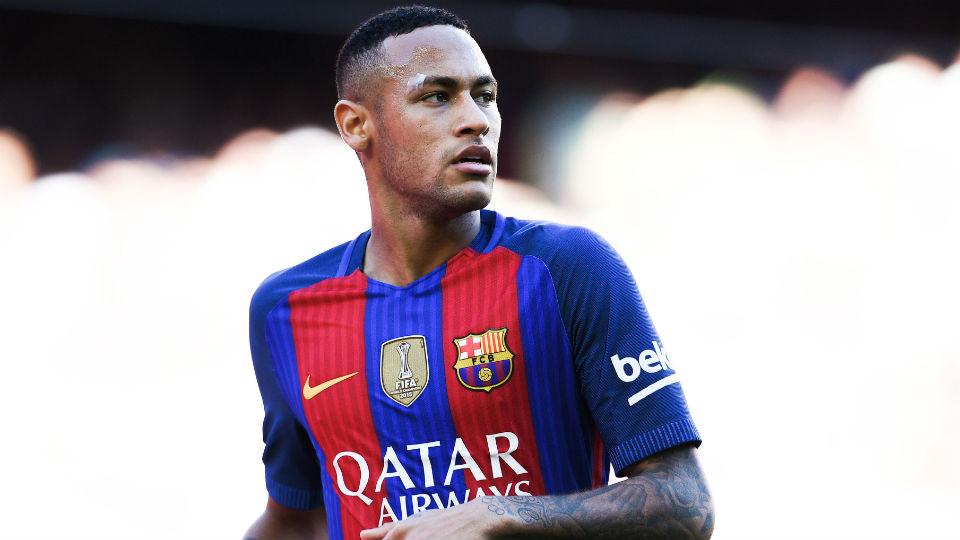 Neymar yang baru saja melebihi perolehan gol legenda Barcelona