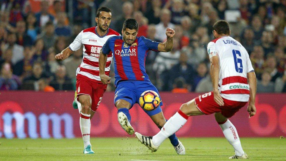 Luis Suarez yang membuka keunggulan bagi Barcelona